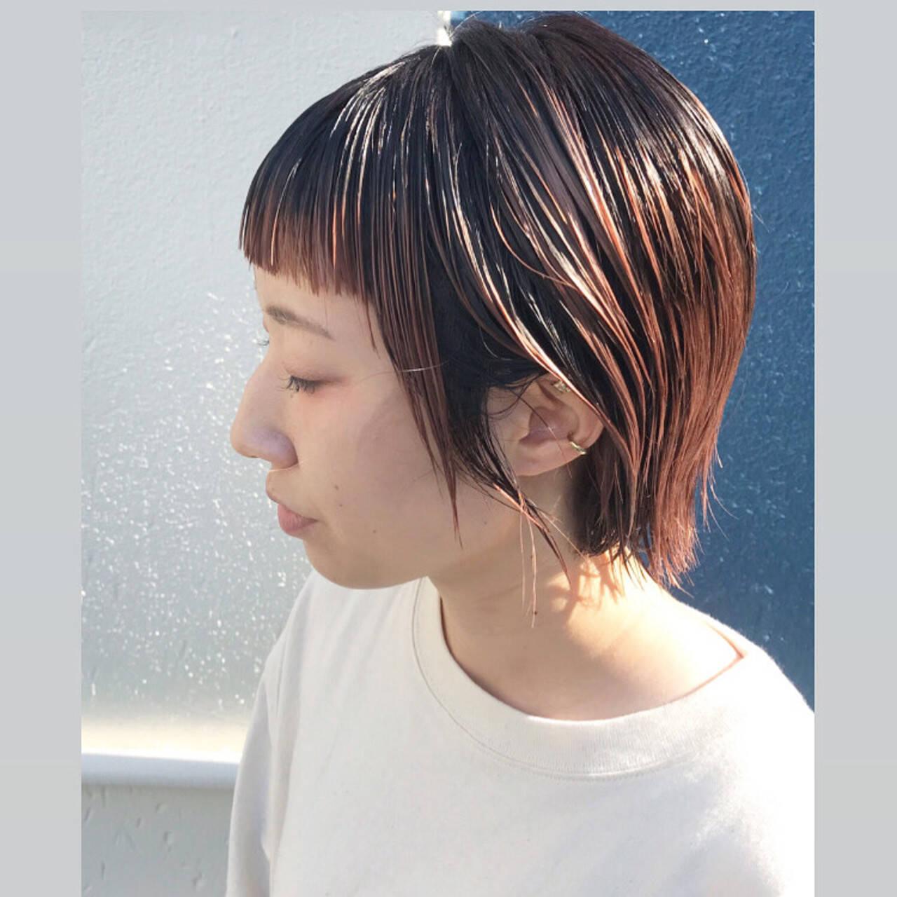 ストリート ピンクベージュ ショートヘア ブリーチカラーヘアスタイルや髪型の写真・画像