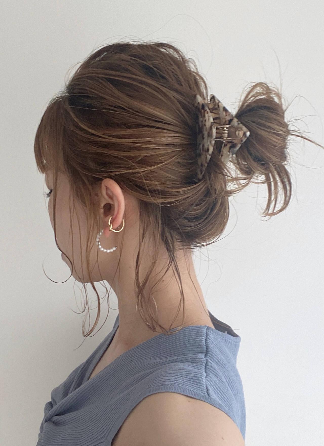 ミディアム 簡単ヘアアレンジ セルフヘアアレンジ おだんごヘアスタイルや髪型の写真・画像