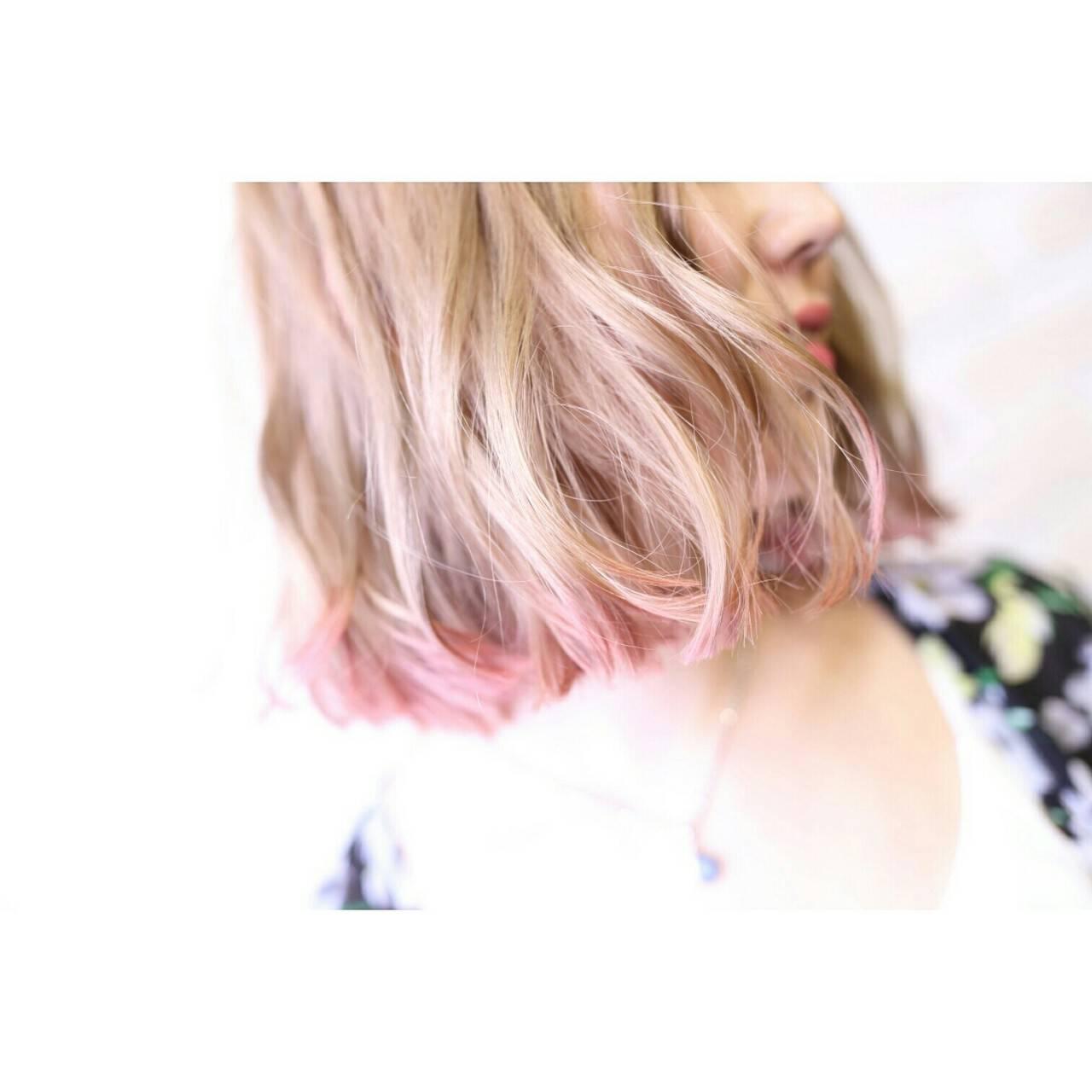 ダブルカラー ハイライト ガーリー 切りっぱなしヘアスタイルや髪型の写真・画像