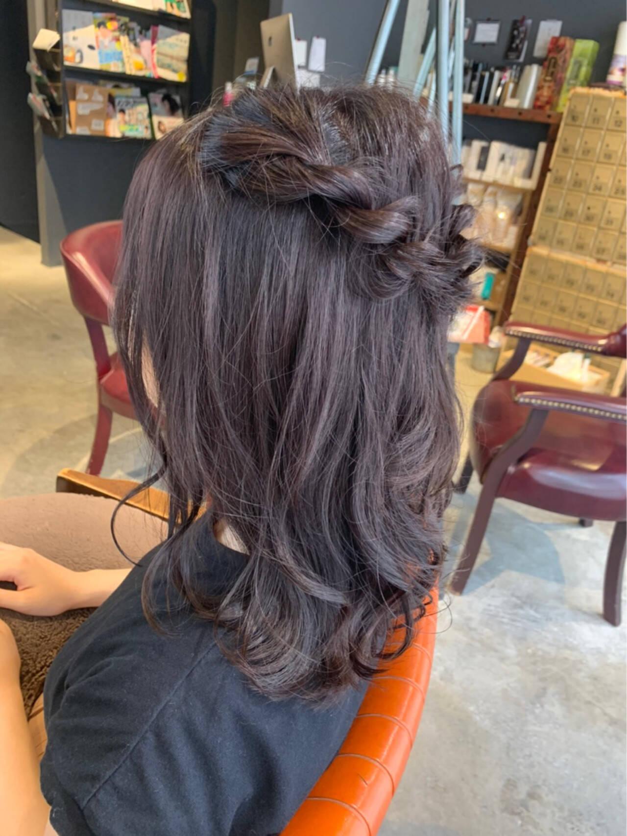 ラベンダーグレージュ ラベンダーカラー ヘアアレンジ ミディアムヘアスタイルや髪型の写真・画像