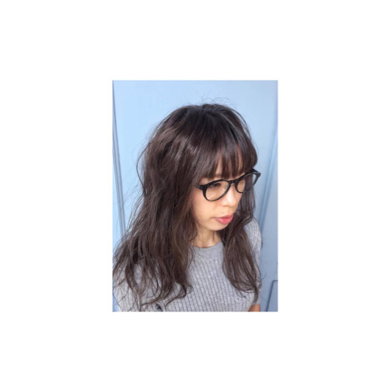 暗髪 ナチュラル アッシュ 外国人風ヘアスタイルや髪型の写真・画像