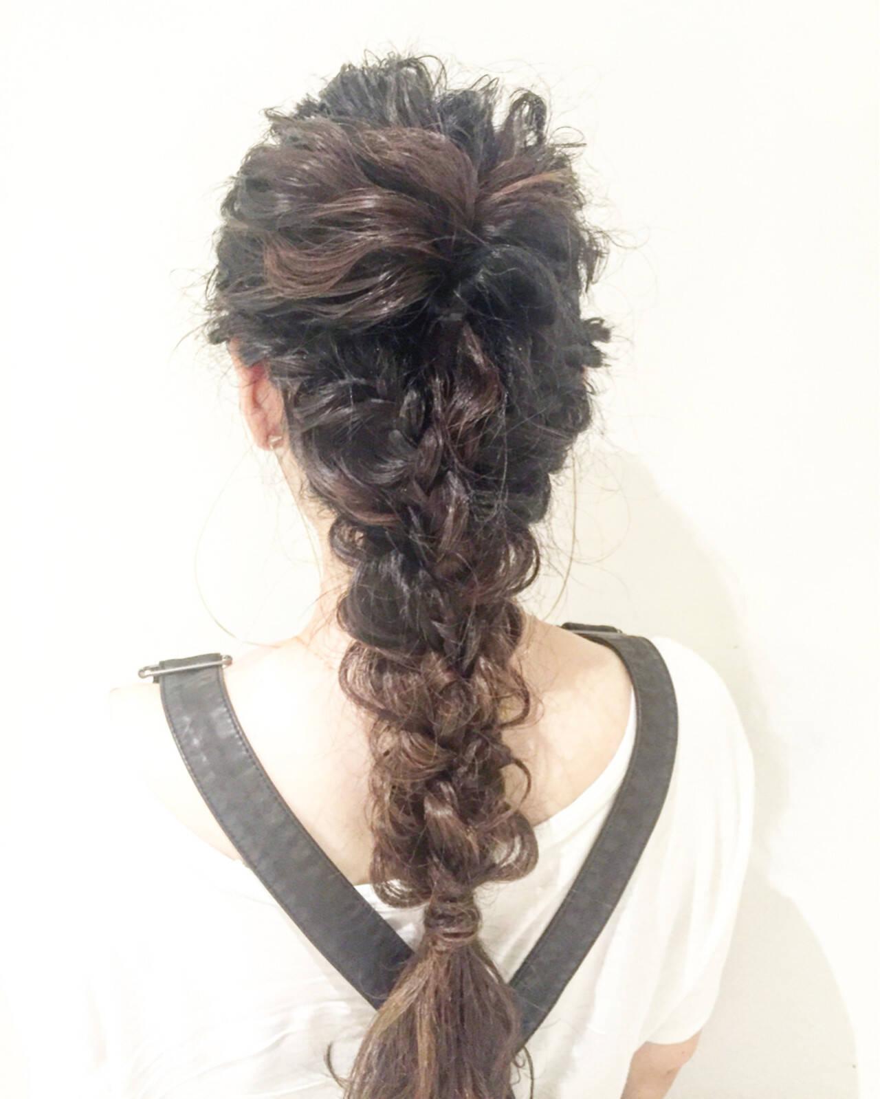 ナチュラル 結婚式 ロング 編み込みヘアスタイルや髪型の写真・画像