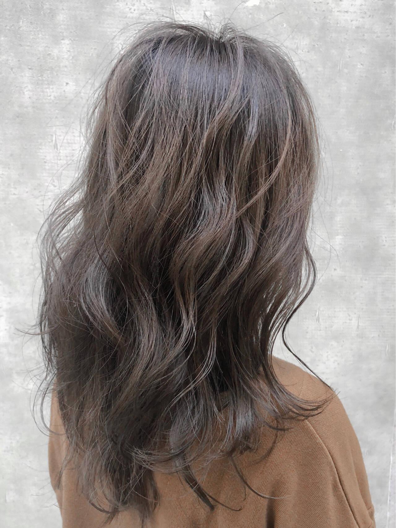 イルミナカラー インナーカラー アディクシーカラー ハイライトヘアスタイルや髪型の写真・画像