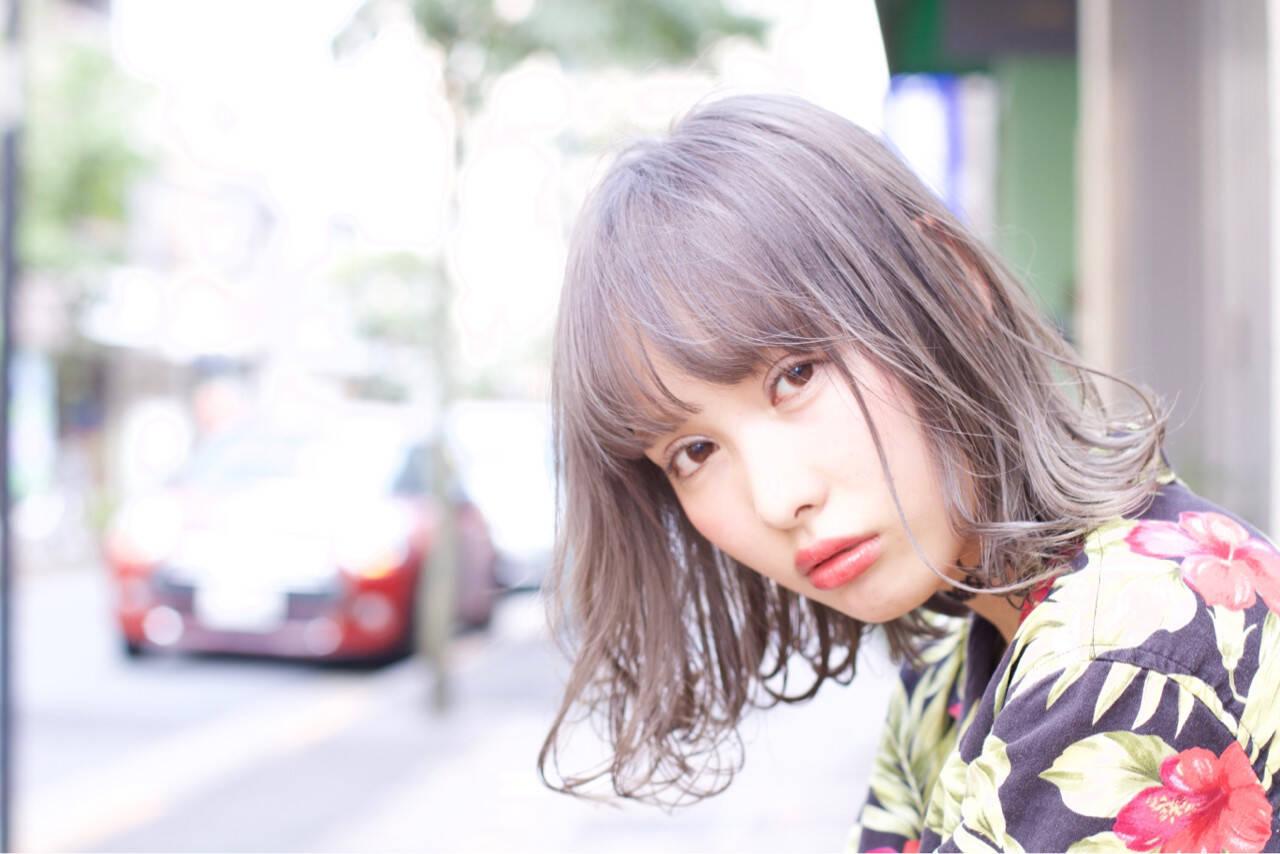 ミディアム 外国人風 外国人風カラー フリンジバングヘアスタイルや髪型の写真・画像
