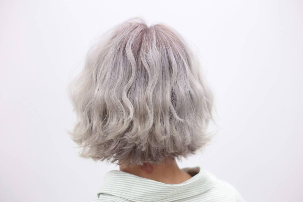 ショート ブリーチ ストリート ハイトーンヘアスタイルや髪型の写真・画像