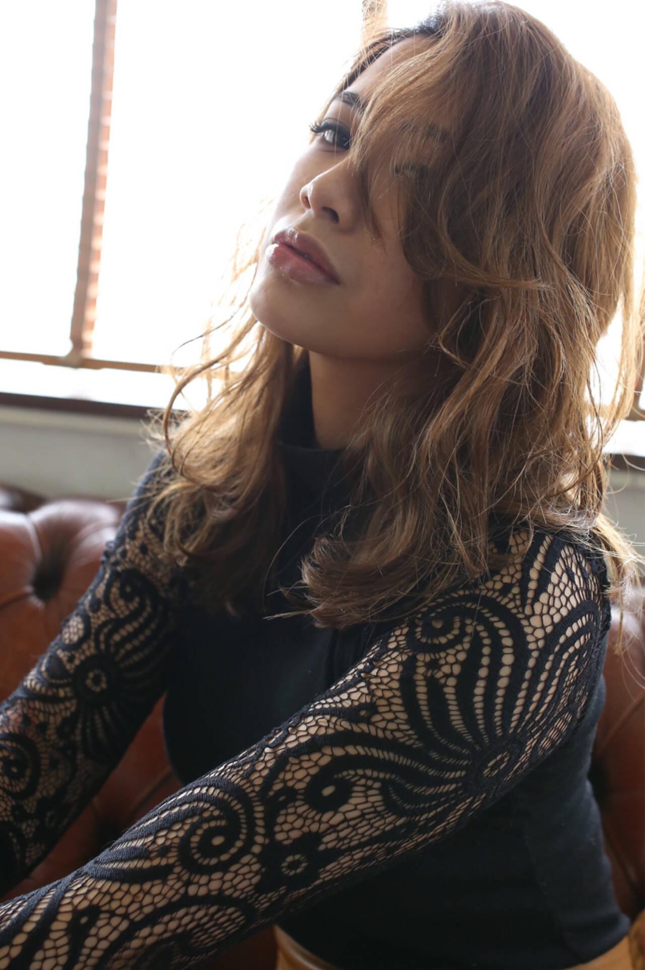 エレガント ロング アッシュ 大人女子ヘアスタイルや髪型の写真・画像