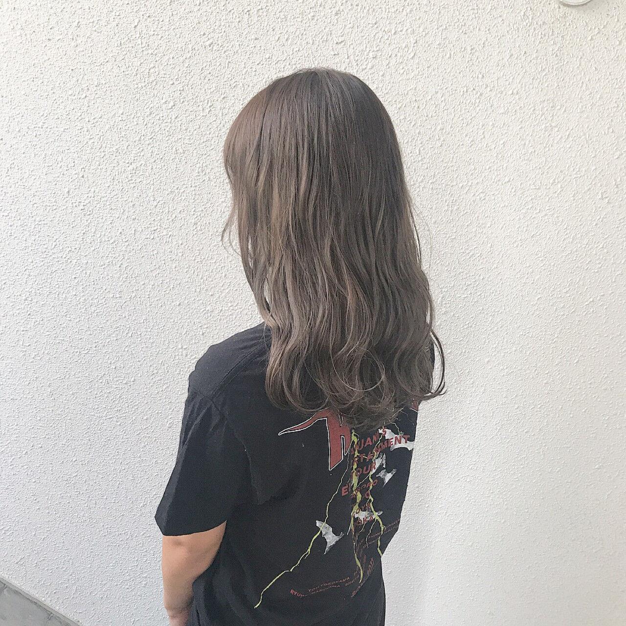 外国人風カラー ブリーチ ナチュラル ダブルカラーヘアスタイルや髪型の写真・画像