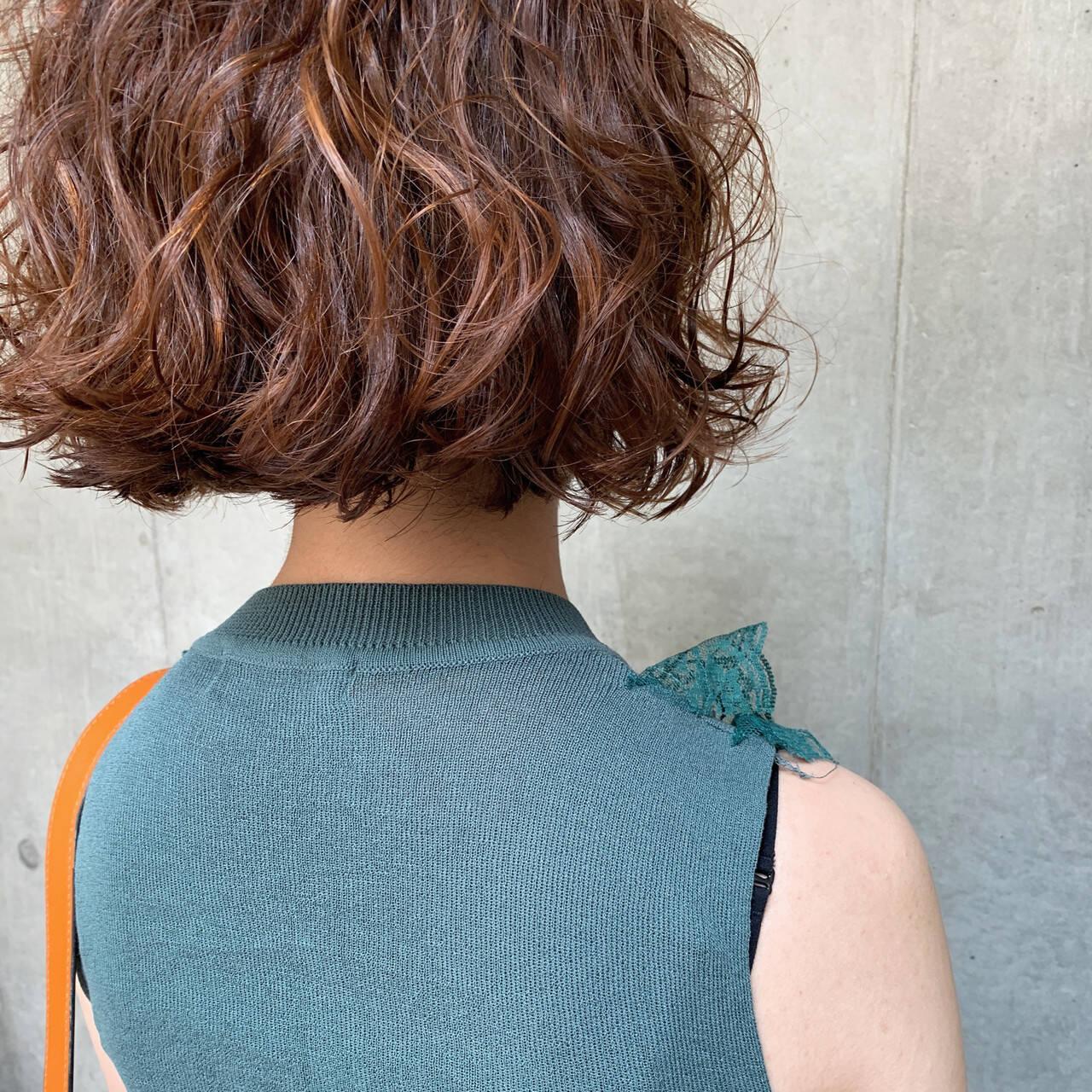 ボブ ヘアアレンジ デート パーマヘアスタイルや髪型の写真・画像