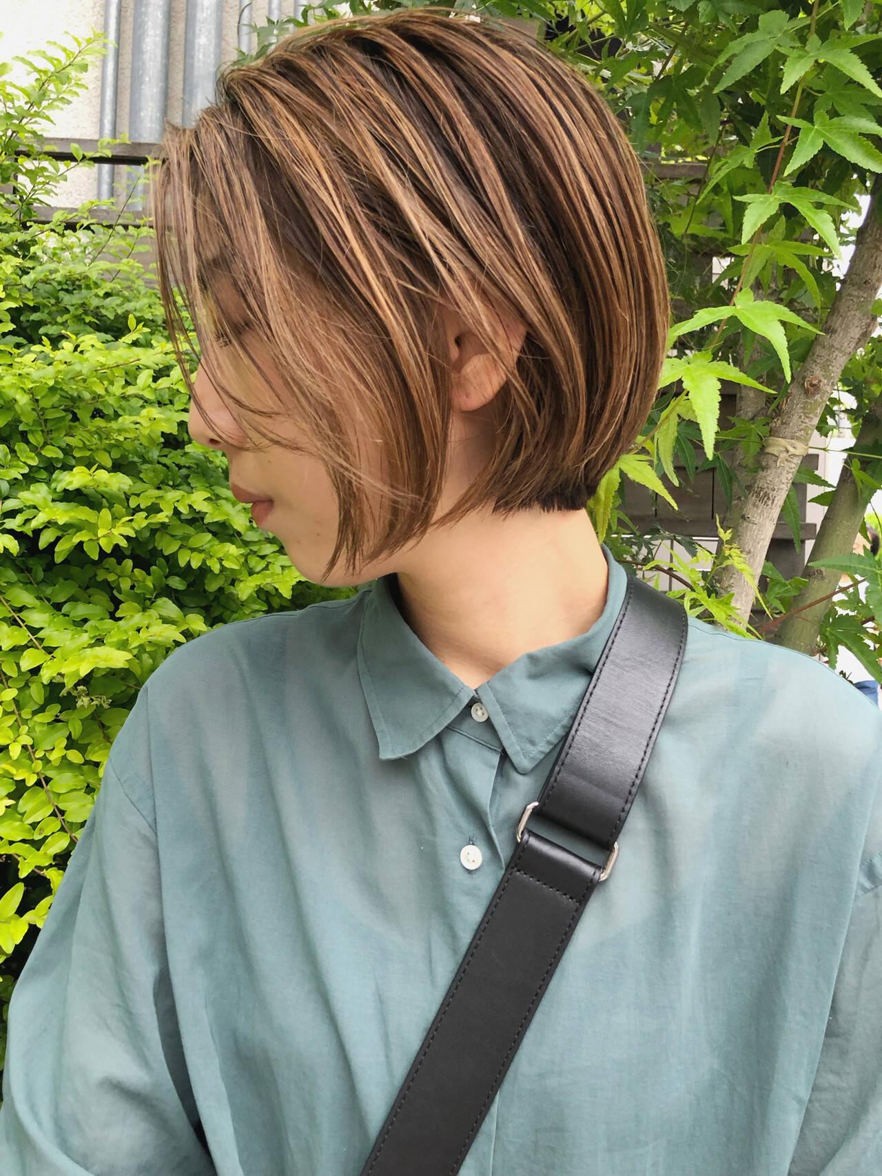 ナチュラル ショートヘア 切りっぱなしボブ ボブヘアスタイルや髪型の写真・画像