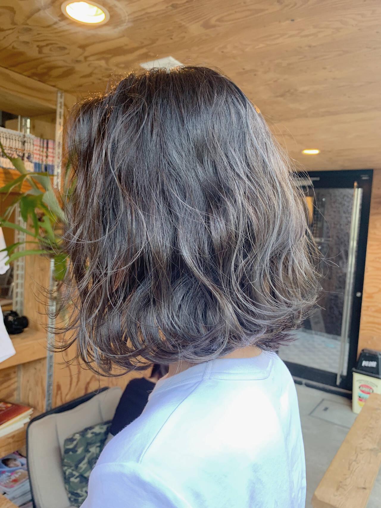 ボブ ブルーアッシュ ストリート アッシュベージュヘアスタイルや髪型の写真・画像