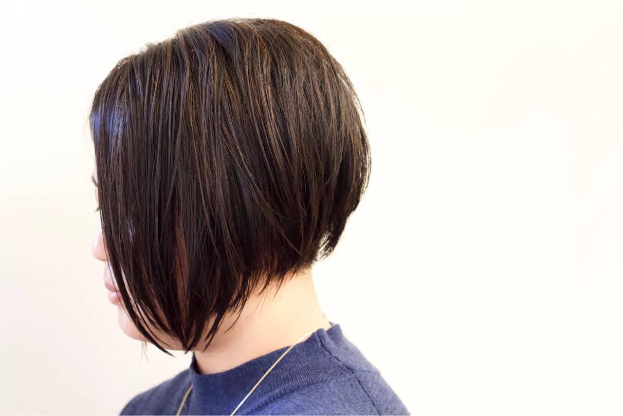 モード ハイライト 黒髪 前下がりヘアスタイルや髪型の写真・画像