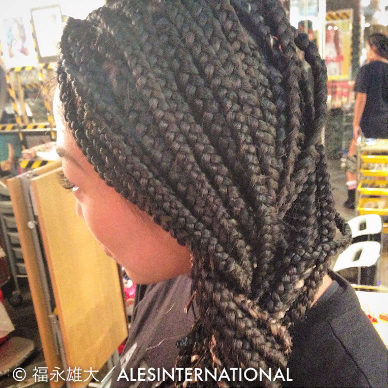 コーンロウ ヘアアレンジ 編み込み 三つ編みヘアスタイルや髪型の写真・画像