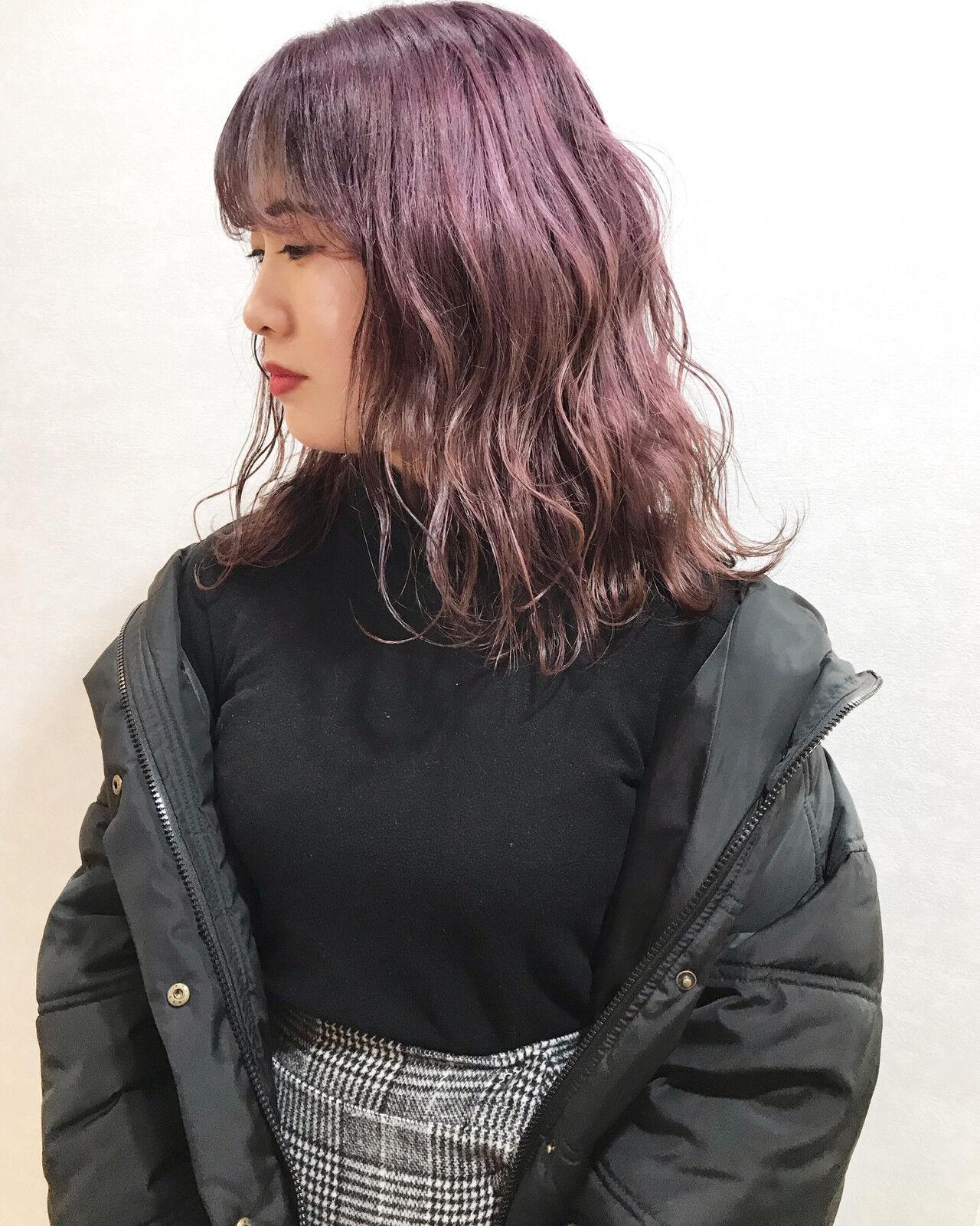 ピンクラベンダー 韓国ヘア ホワイトカラー ハイトーンカラーヘアスタイルや髪型の写真・画像