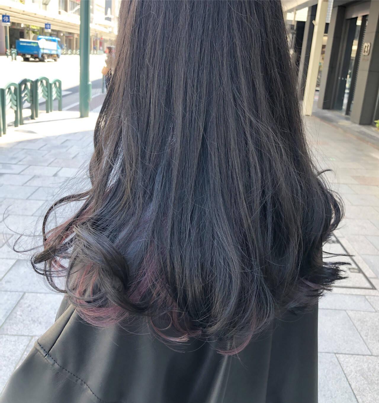 インナーブルー ブリーチ ロング ナチュラルヘアスタイルや髪型の写真・画像