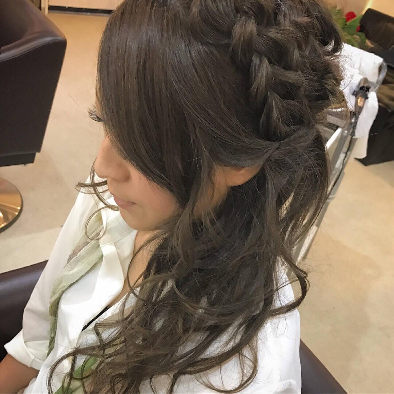 セミロング 涼しげ 編み込み ナチュラルヘアスタイルや髪型の写真・画像