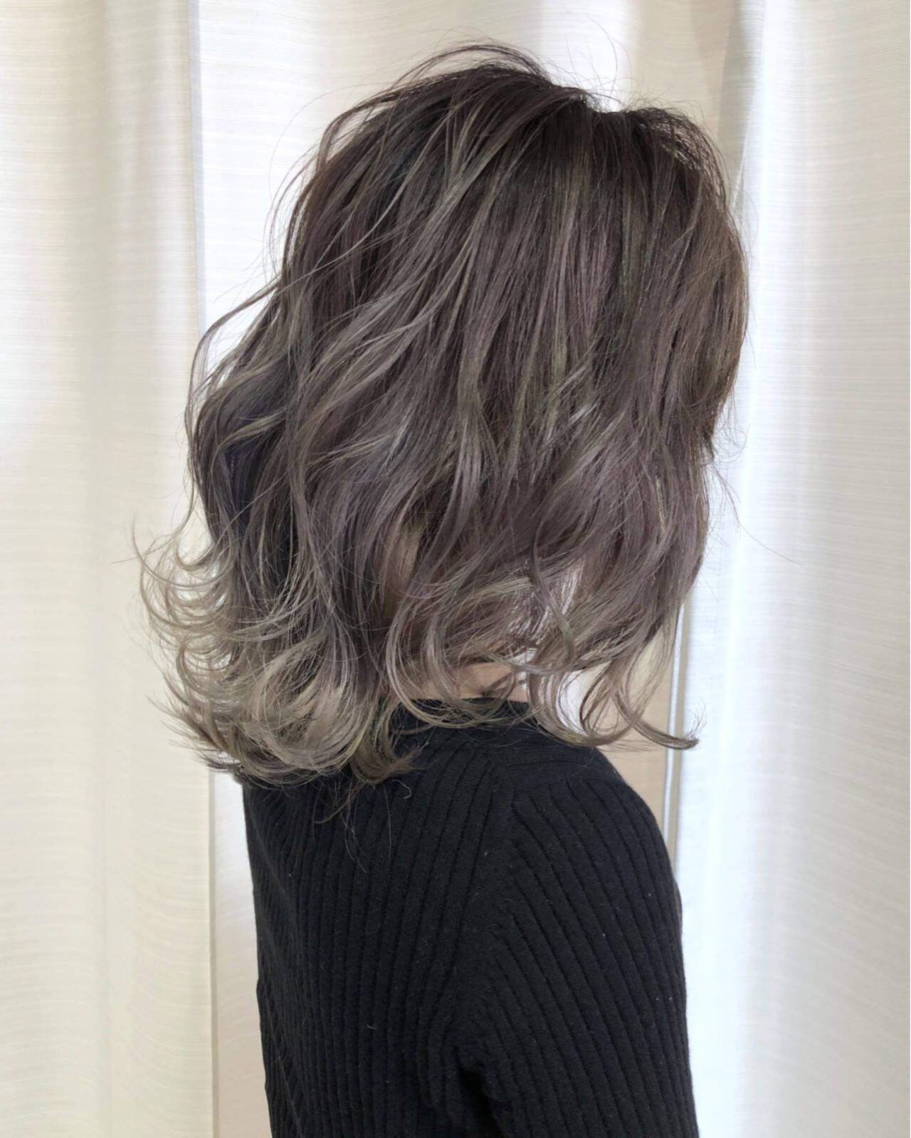 モード バレイヤージュ 愛され アッシュヘアスタイルや髪型の写真・画像