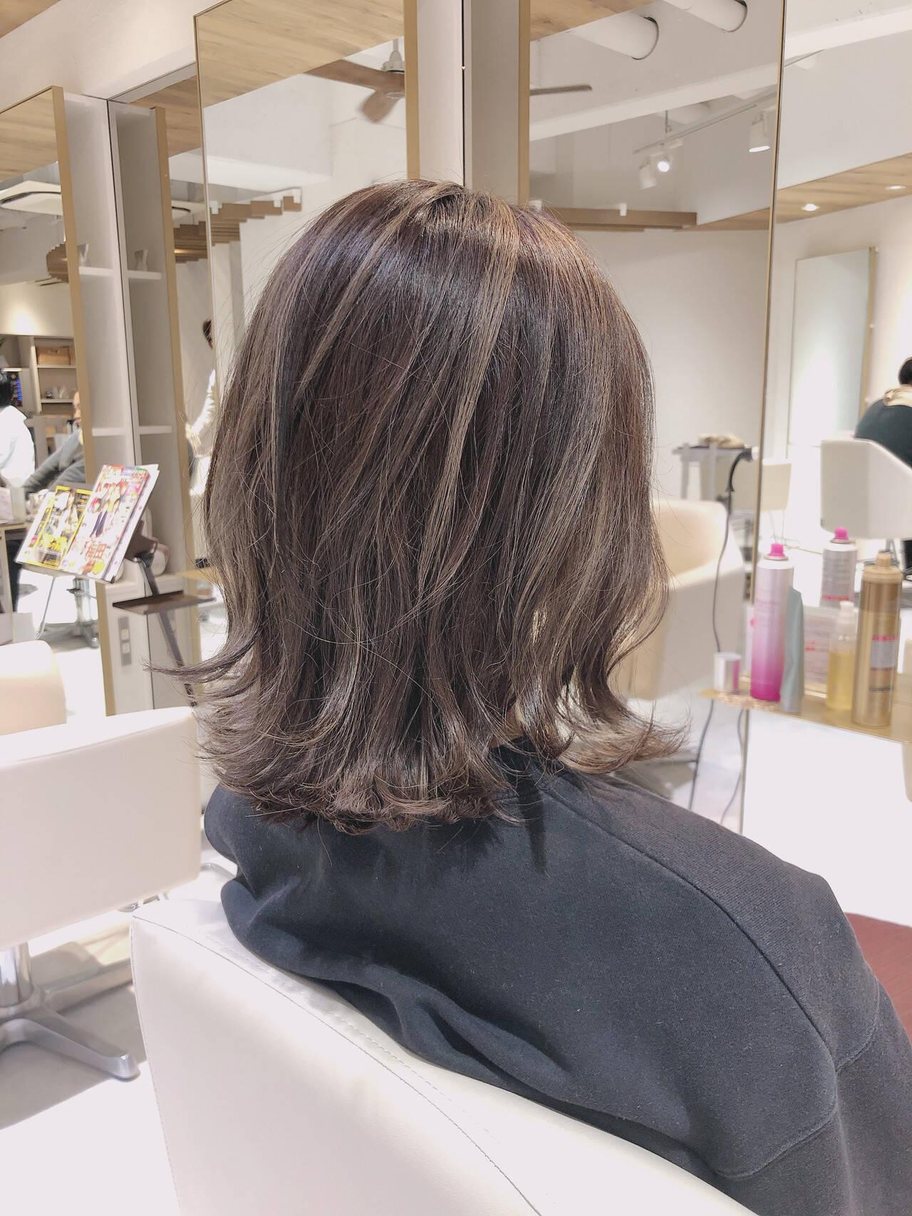 グラデーションカラー セミロング 3Dカラー バレイヤージュヘアスタイルや髪型の写真・画像