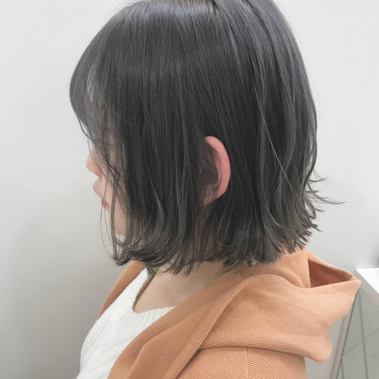 アッシュグレー アッシュ ホワイトグレージュ アッシュグレージュヘアスタイルや髪型の写真・画像