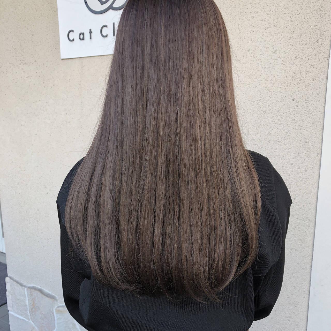オフィス ハイライト グレージュ ロングヘアスタイルや髪型の写真・画像