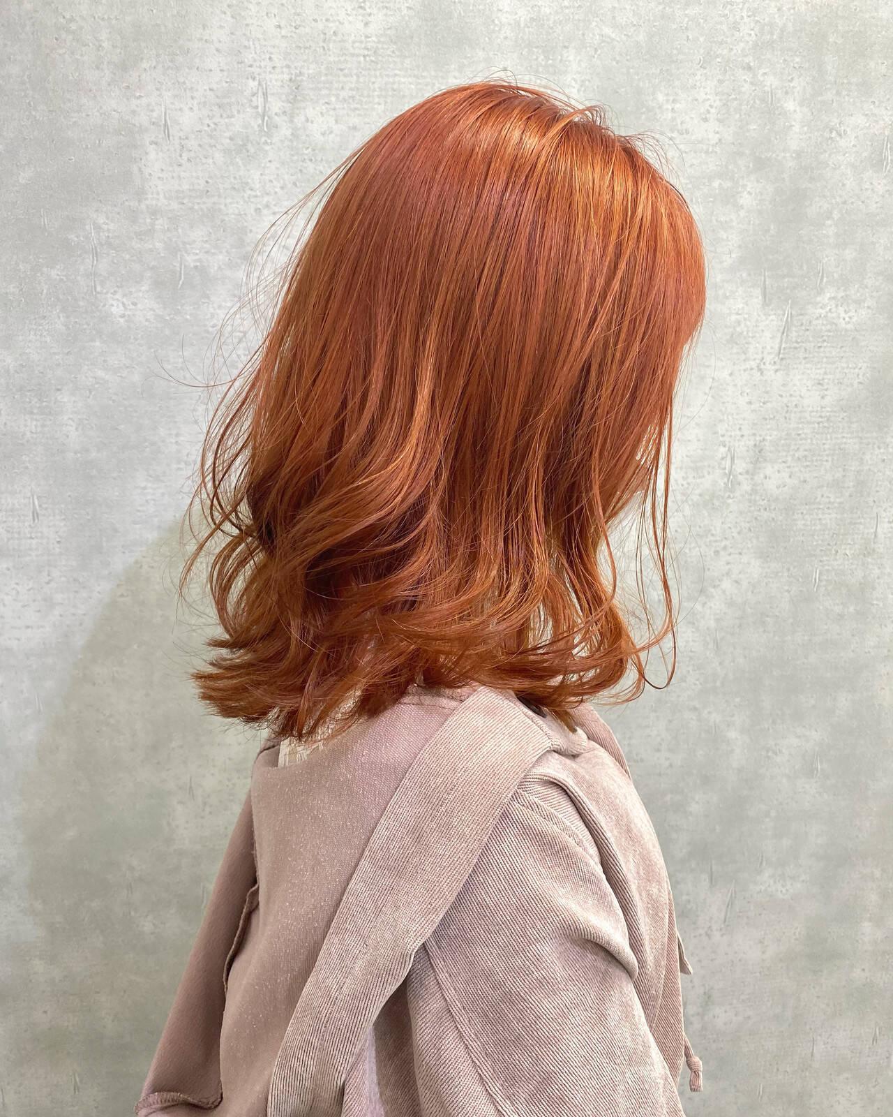 オレンジベージュ オレンジカラー ナチュラル ブリーチカラーヘアスタイルや髪型の写真・画像