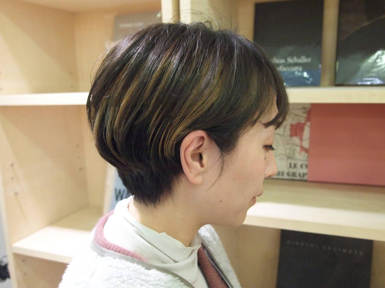 ハンサムショート インナーカラー ショートヘア ショートボブヘアスタイルや髪型の写真・画像