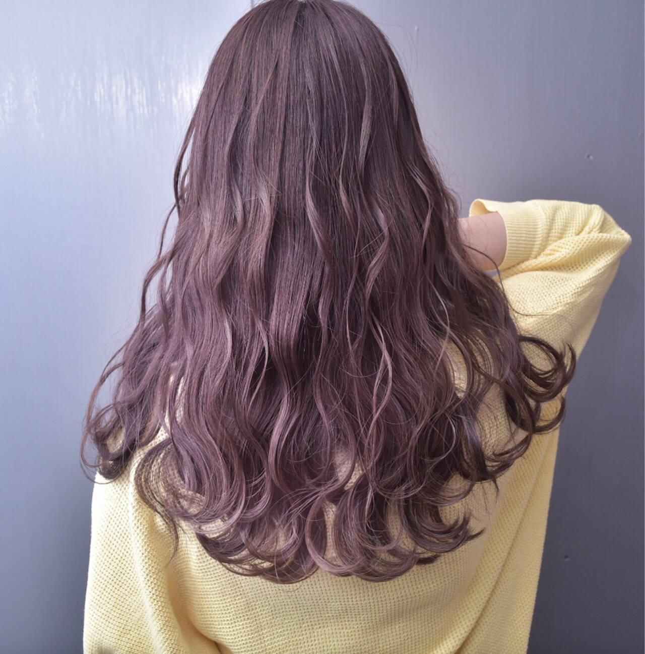 ラベンダーアッシュ ラベンダーピンク ロング 外国人風カラーヘアスタイルや髪型の写真・画像
