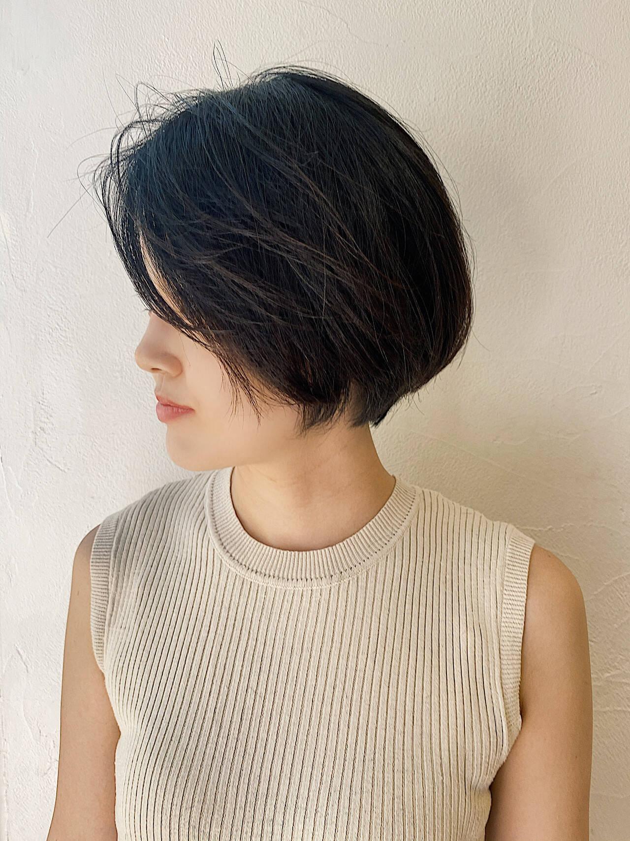 オフィス モード ショートボブ ベリーショートヘアスタイルや髪型の写真・画像