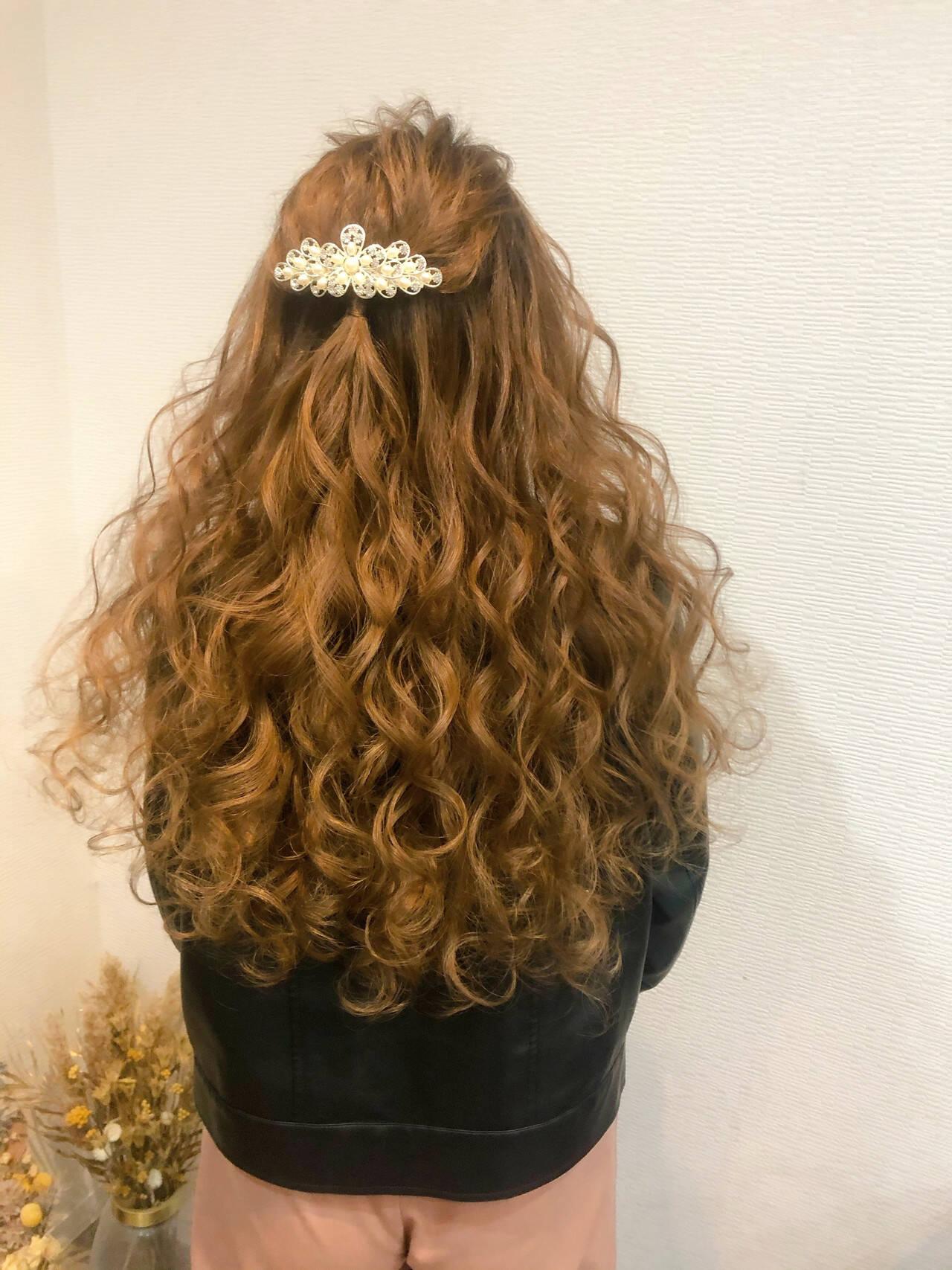 ハーフアップ ブライダル 結婚式 ロングヘアスタイルや髪型の写真・画像