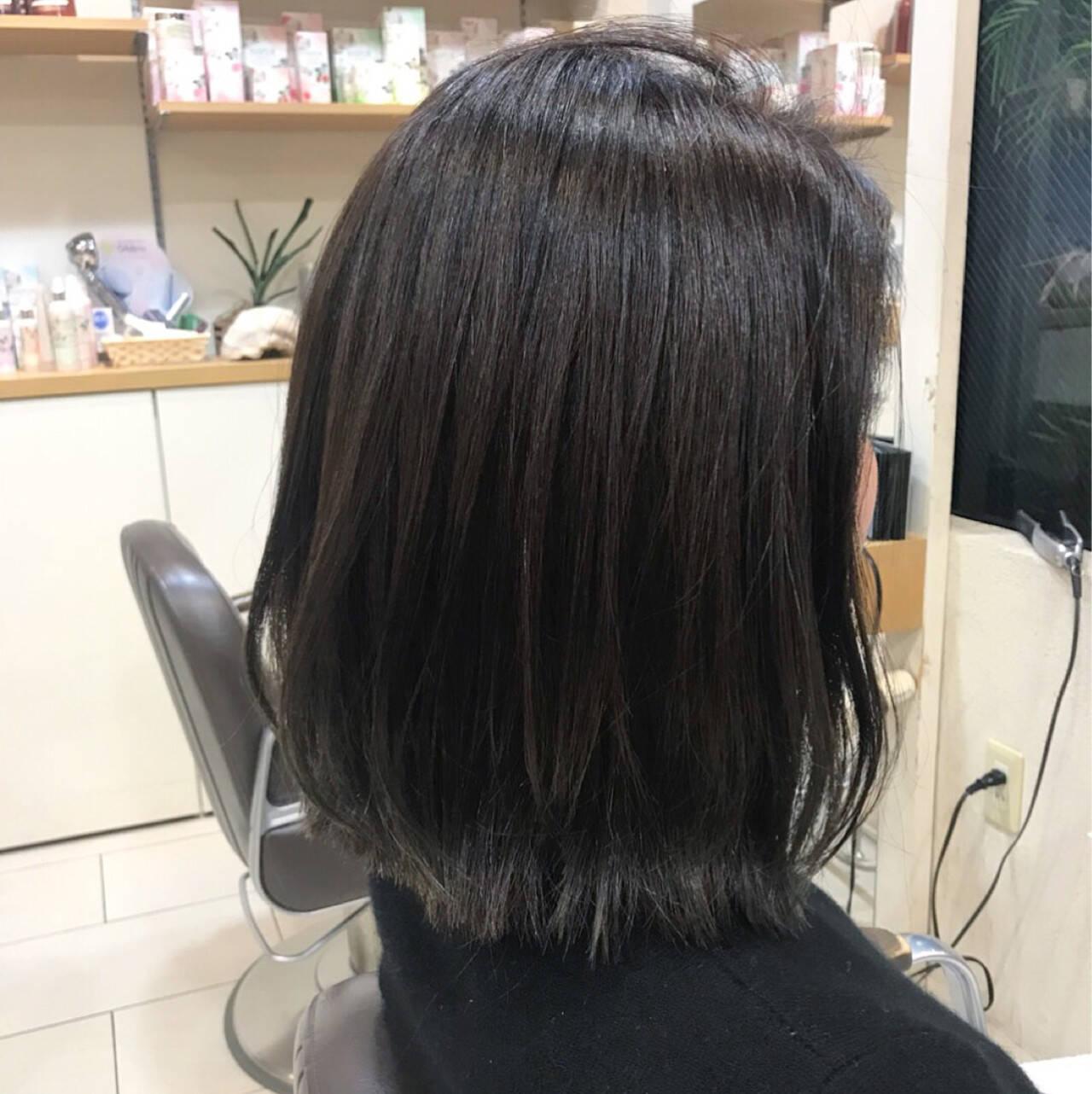 外ハネ 艶髪 ウェットヘア モードヘアスタイルや髪型の写真・画像