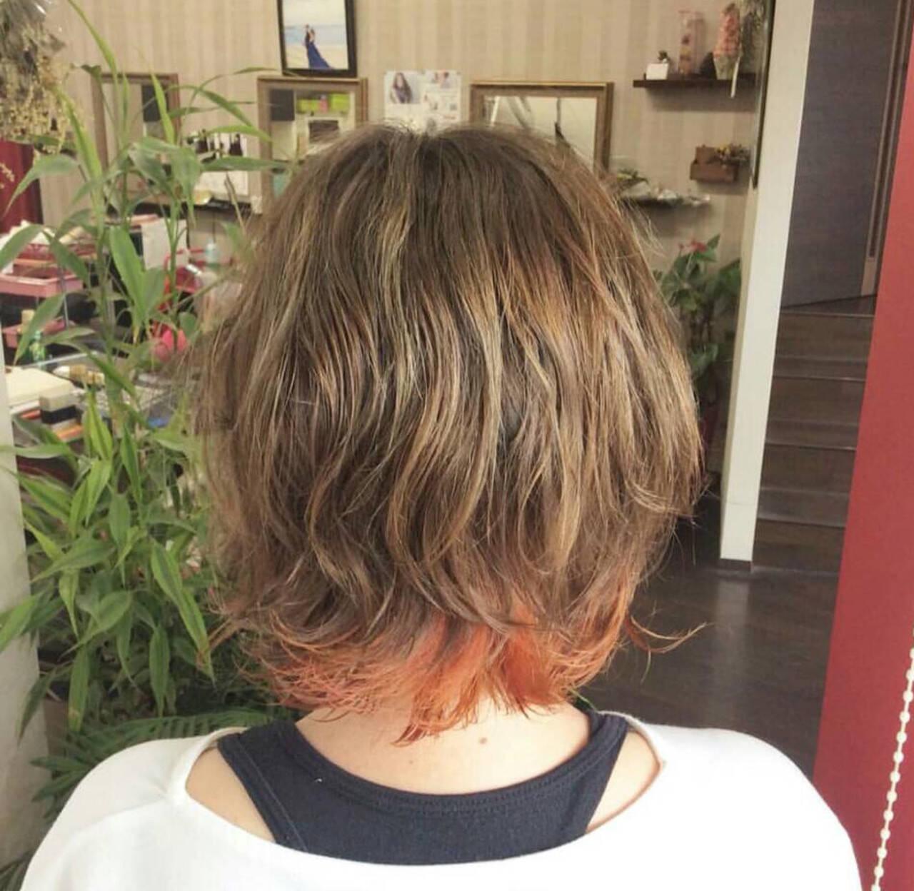 パーマ ガーリー オレンジカラー ショートヘアスタイルや髪型の写真・画像