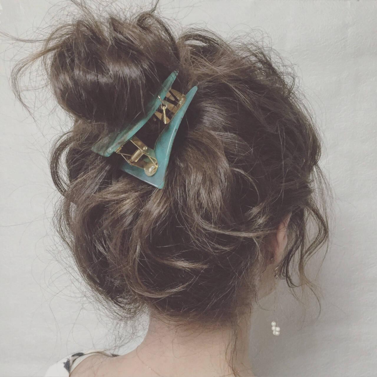ショート ミディアム 簡単ヘアアレンジ 三角クリップヘアスタイルや髪型の写真・画像