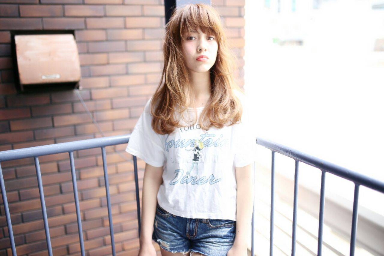 春 ストリート セミロング パンクヘアスタイルや髪型の写真・画像