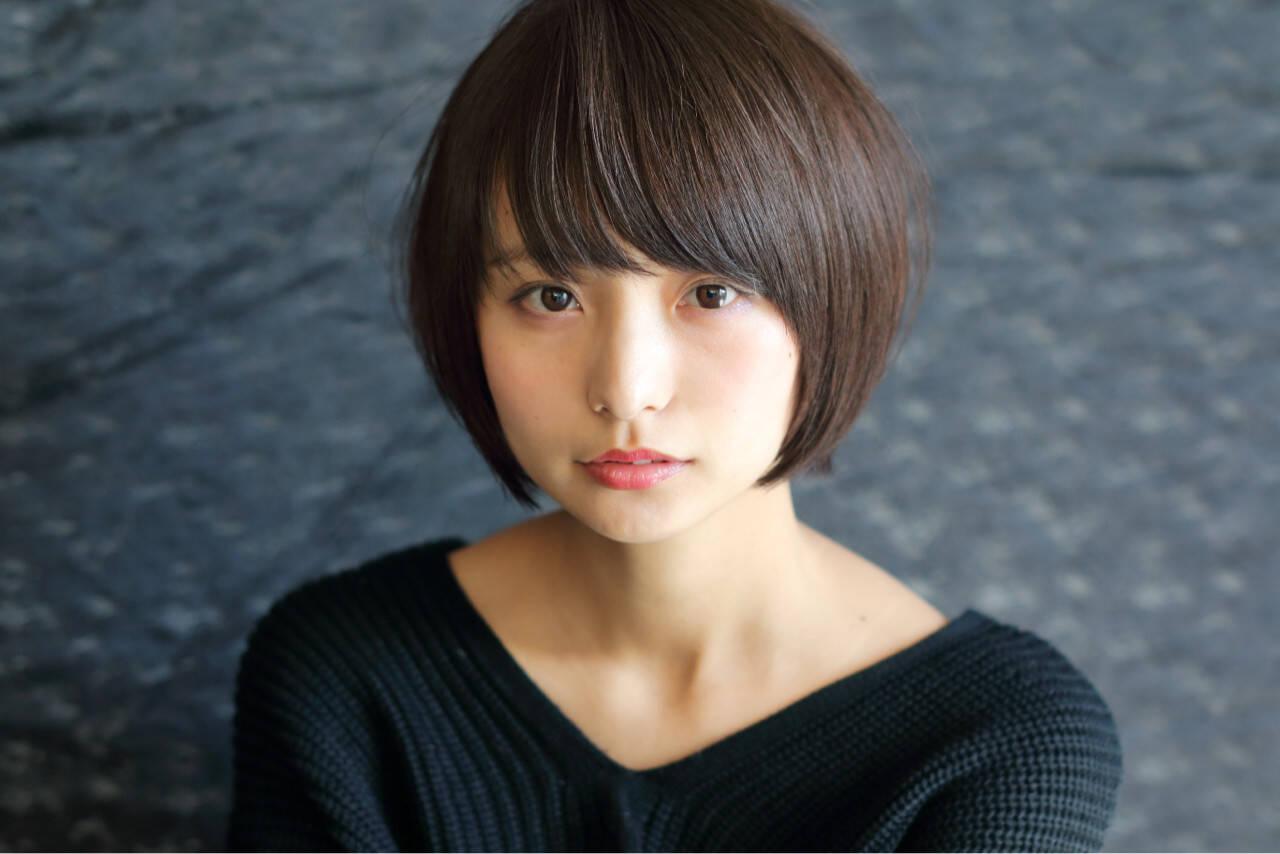 暗髪 ナチュラル 小顔 ショートボブヘアスタイルや髪型の写真・画像