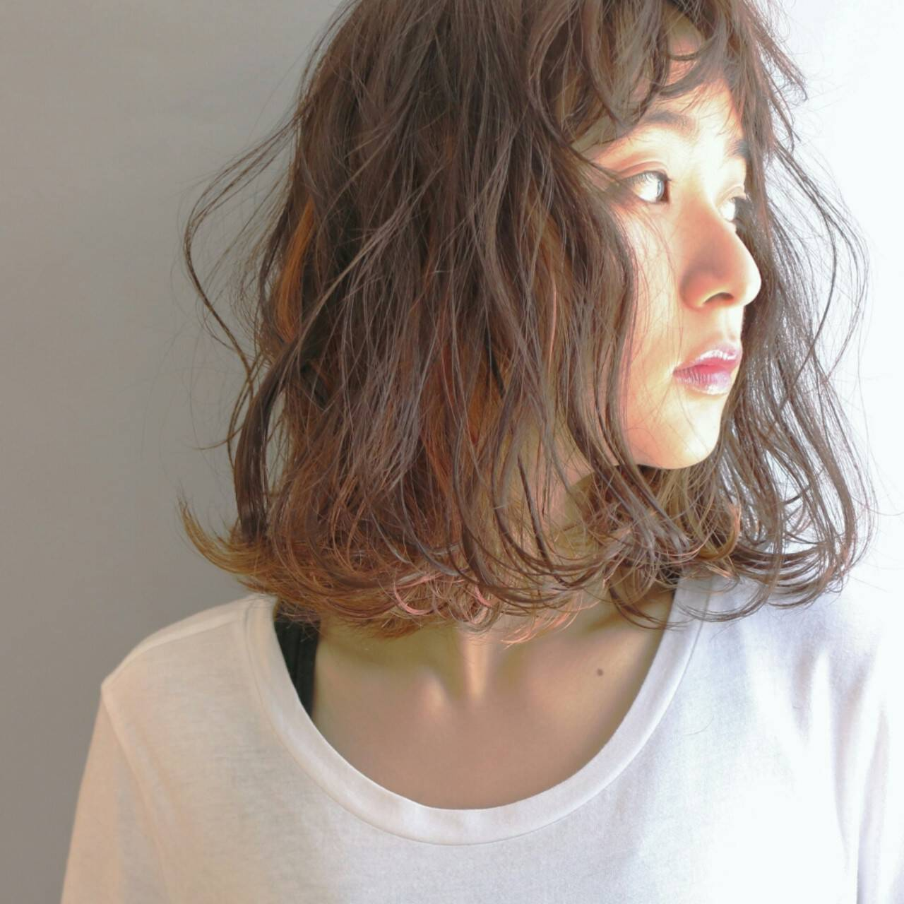 前髪あり パーマ 外国人風 ハイライトヘアスタイルや髪型の写真・画像
