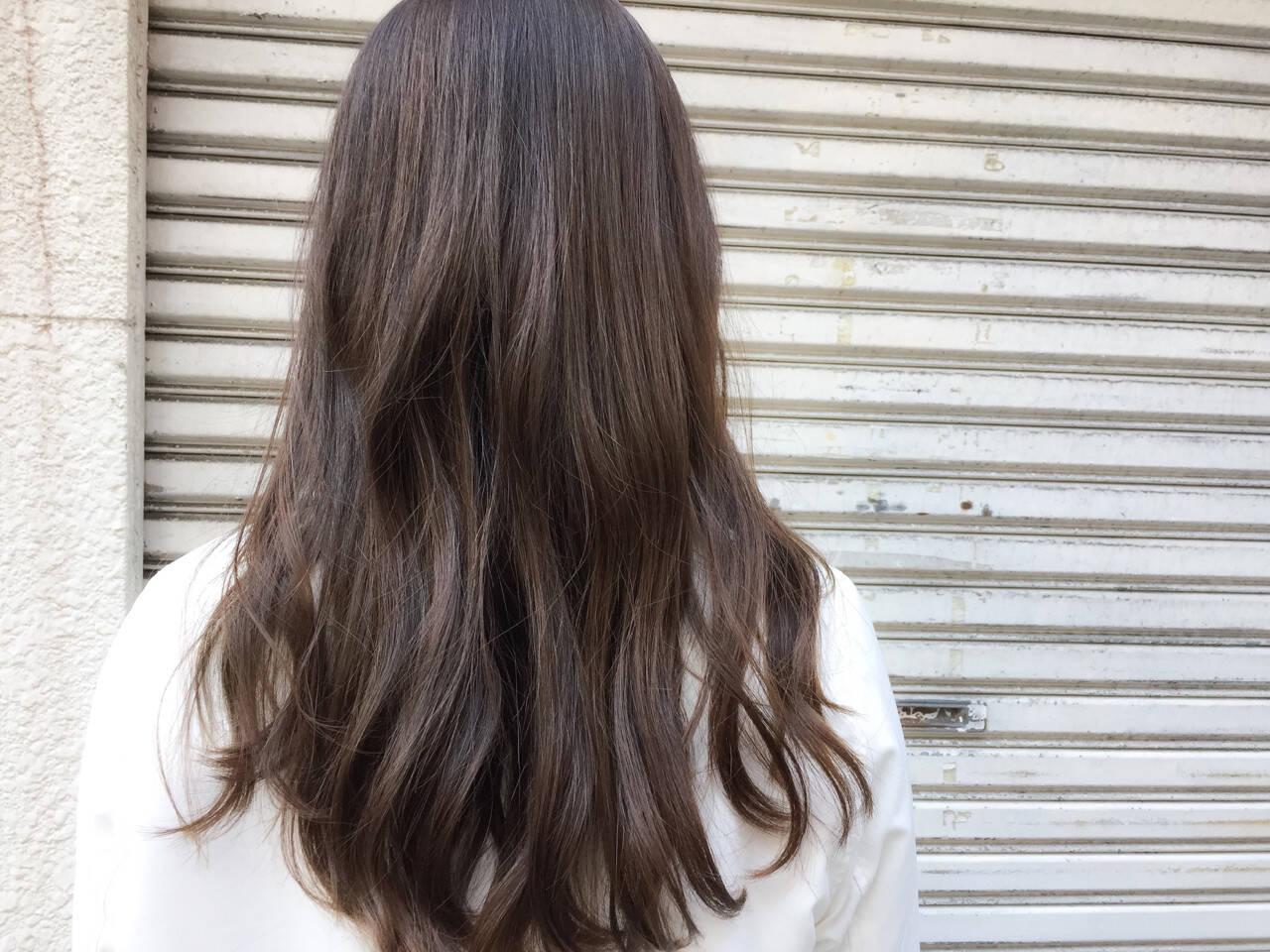 ミディアム ナチュラル ハイライト 外国人風ヘアスタイルや髪型の写真・画像