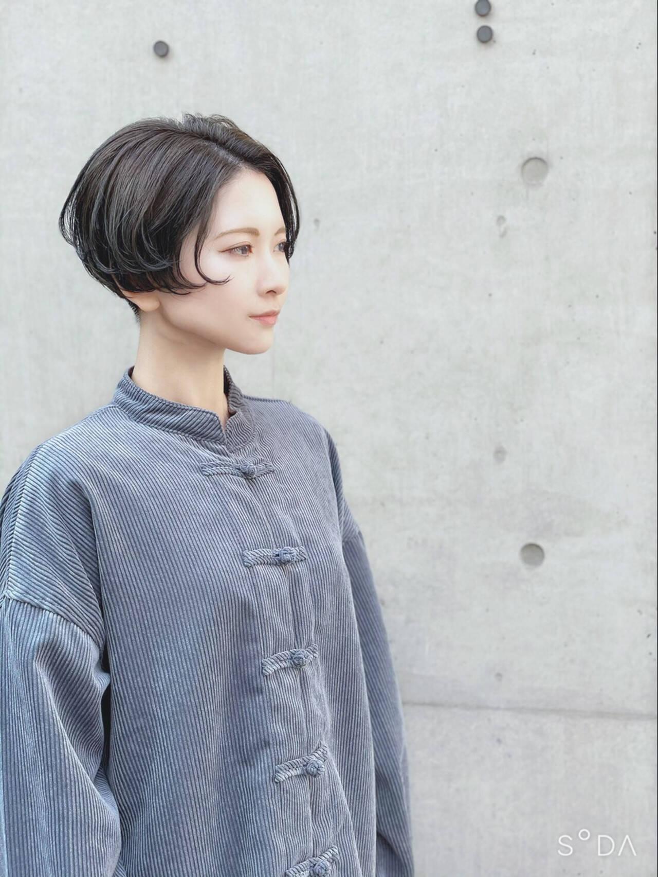 ミニボブ ショート 切りっぱなしボブ ショートヘアヘアスタイルや髪型の写真・画像
