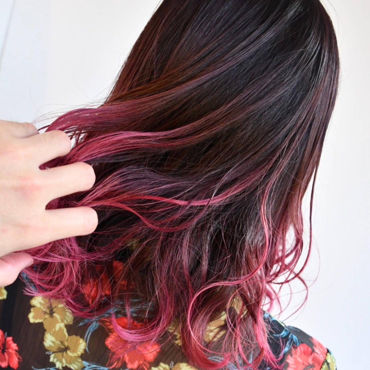 デート ミディアム ゆるふわ インナーカラーヘアスタイルや髪型の写真・画像