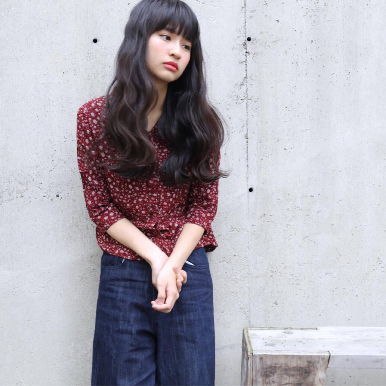 黒髪 大人かわいい パーマ 外国人風ヘアスタイルや髪型の写真・画像