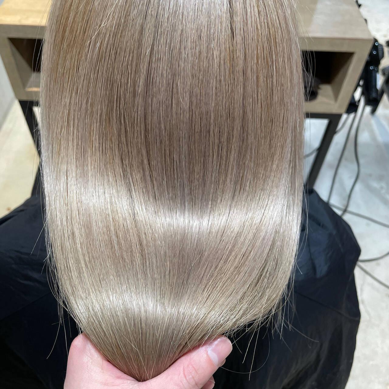 ナチュラル ブリーチカラー ストレート ブリーチオンカラーヘアスタイルや髪型の写真・画像