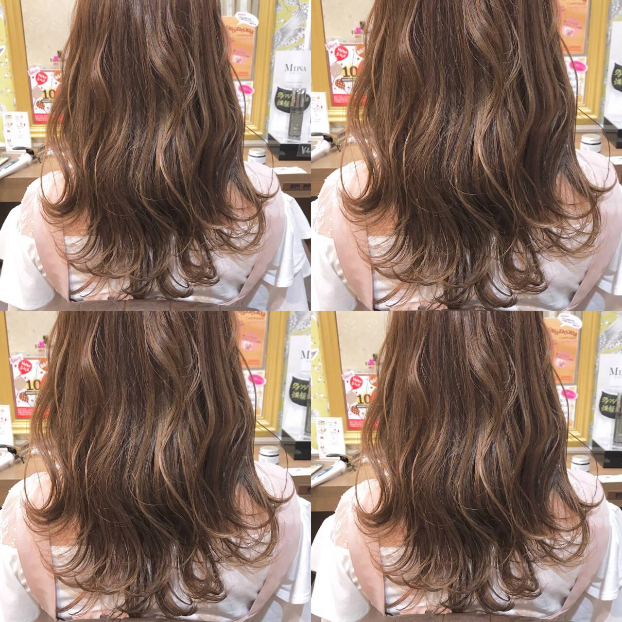 ミルクティー ハイライト アッシュ 透明感ヘアスタイルや髪型の写真・画像