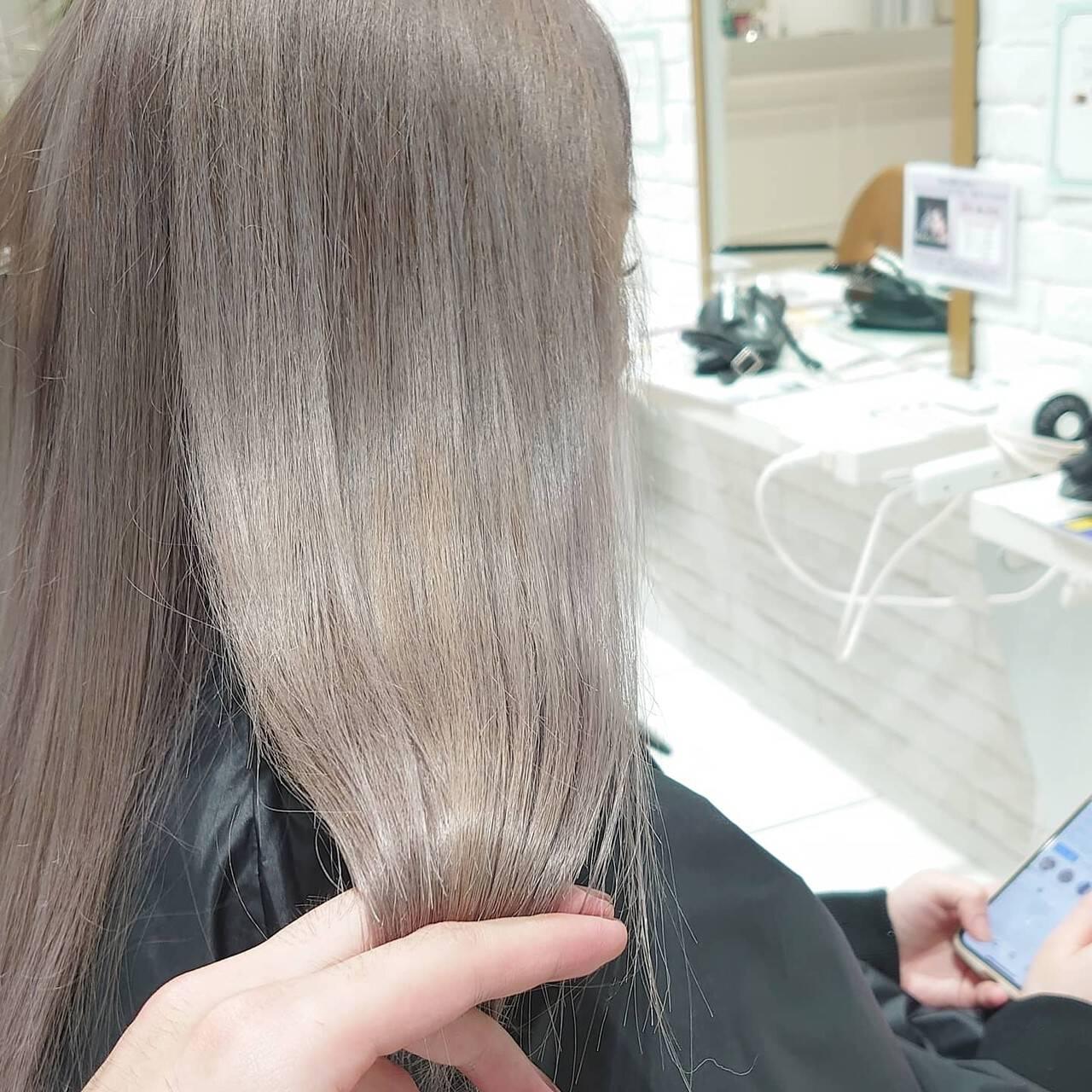 ハイトーンカラー フェミニン ブリーチカラー セミロングヘアスタイルや髪型の写真・画像