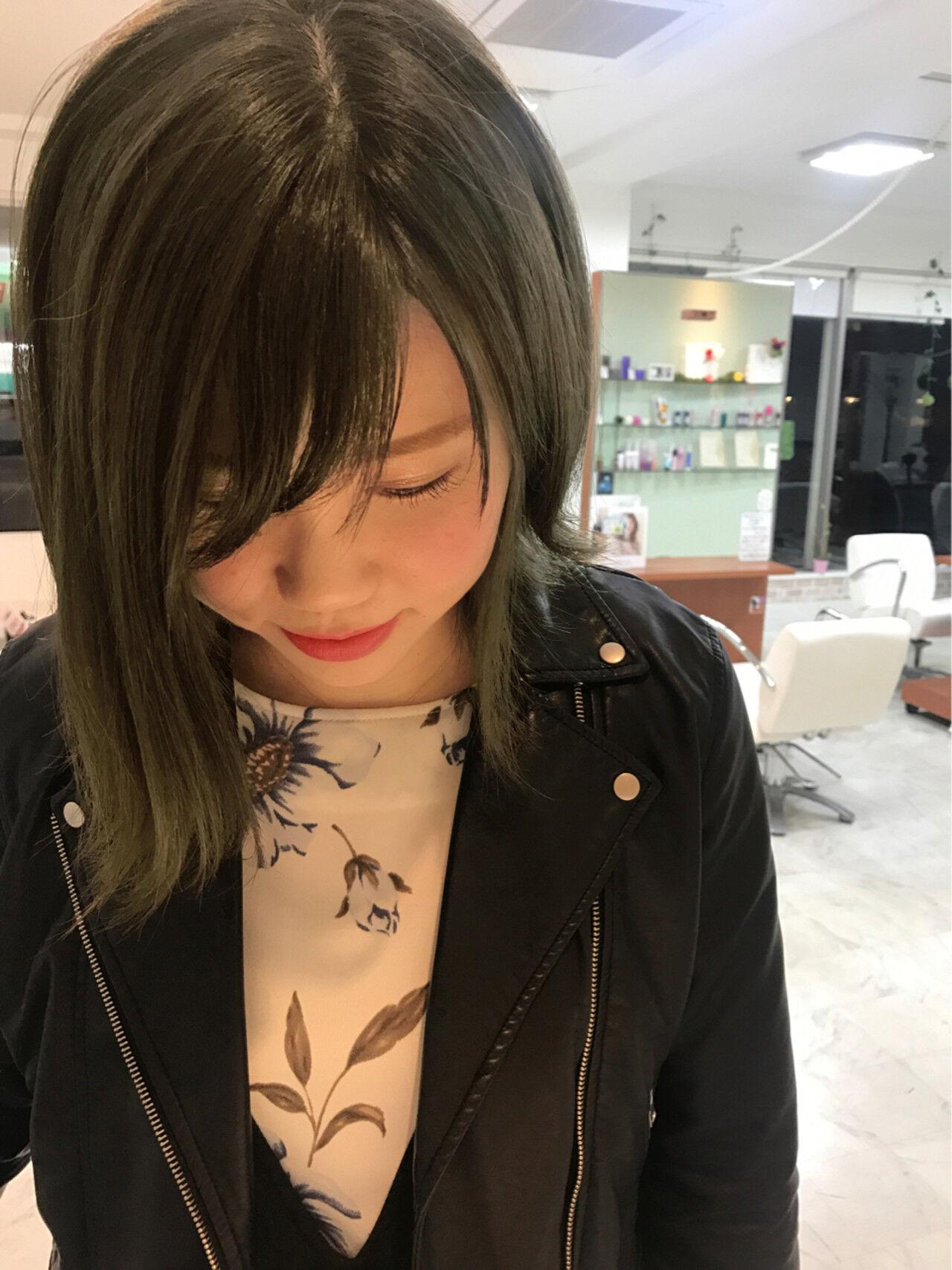 アッシュ ミディアム ガーリー かわいいヘアスタイルや髪型の写真・画像