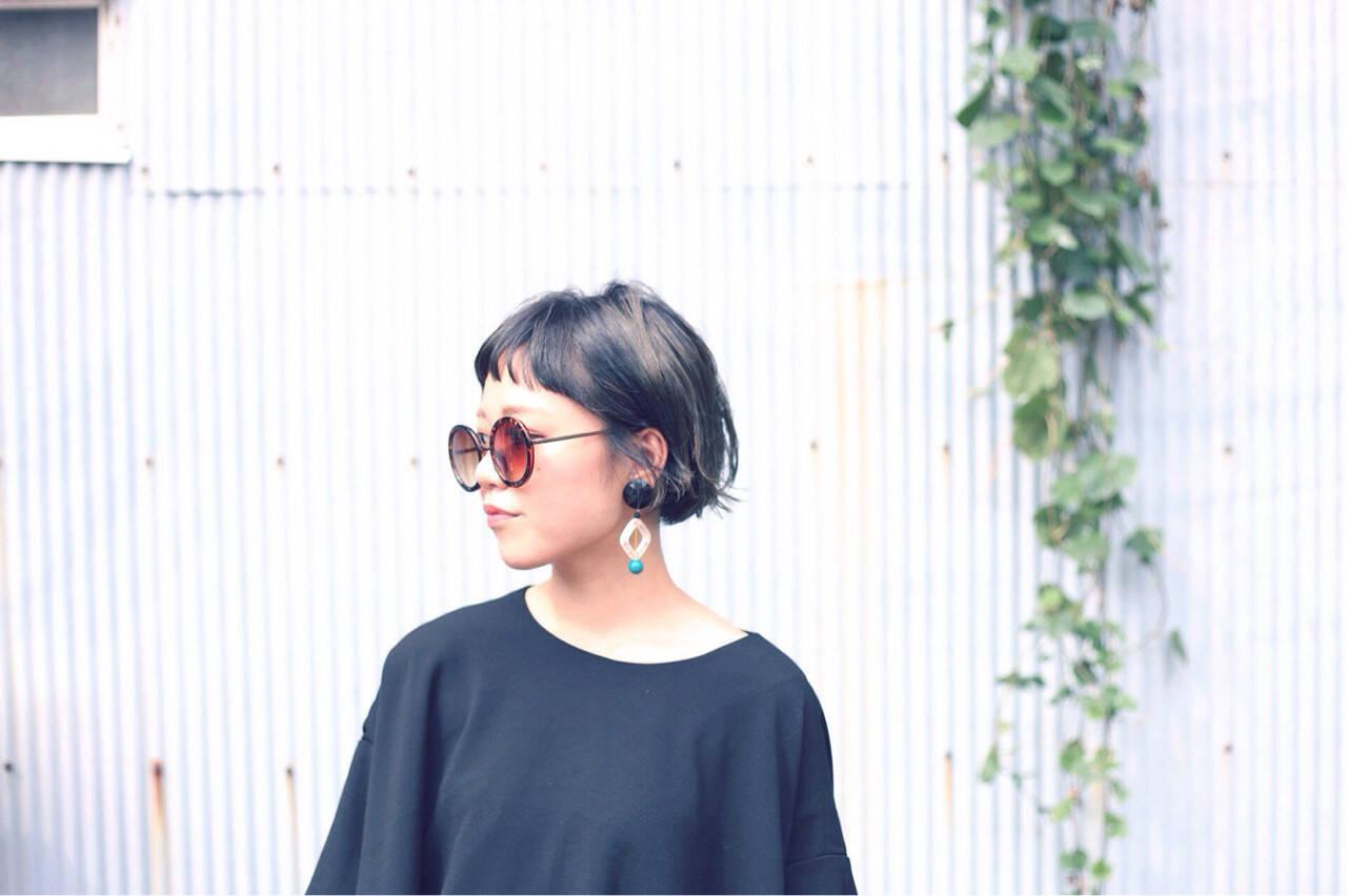 黒髪 アッシュ 色気 ストリートヘアスタイルや髪型の写真・画像