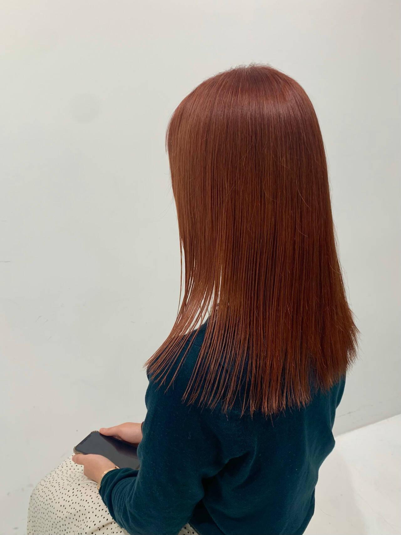 オレンジカラー オレンジブラウン オレンジベージュ ナチュラルヘアスタイルや髪型の写真・画像