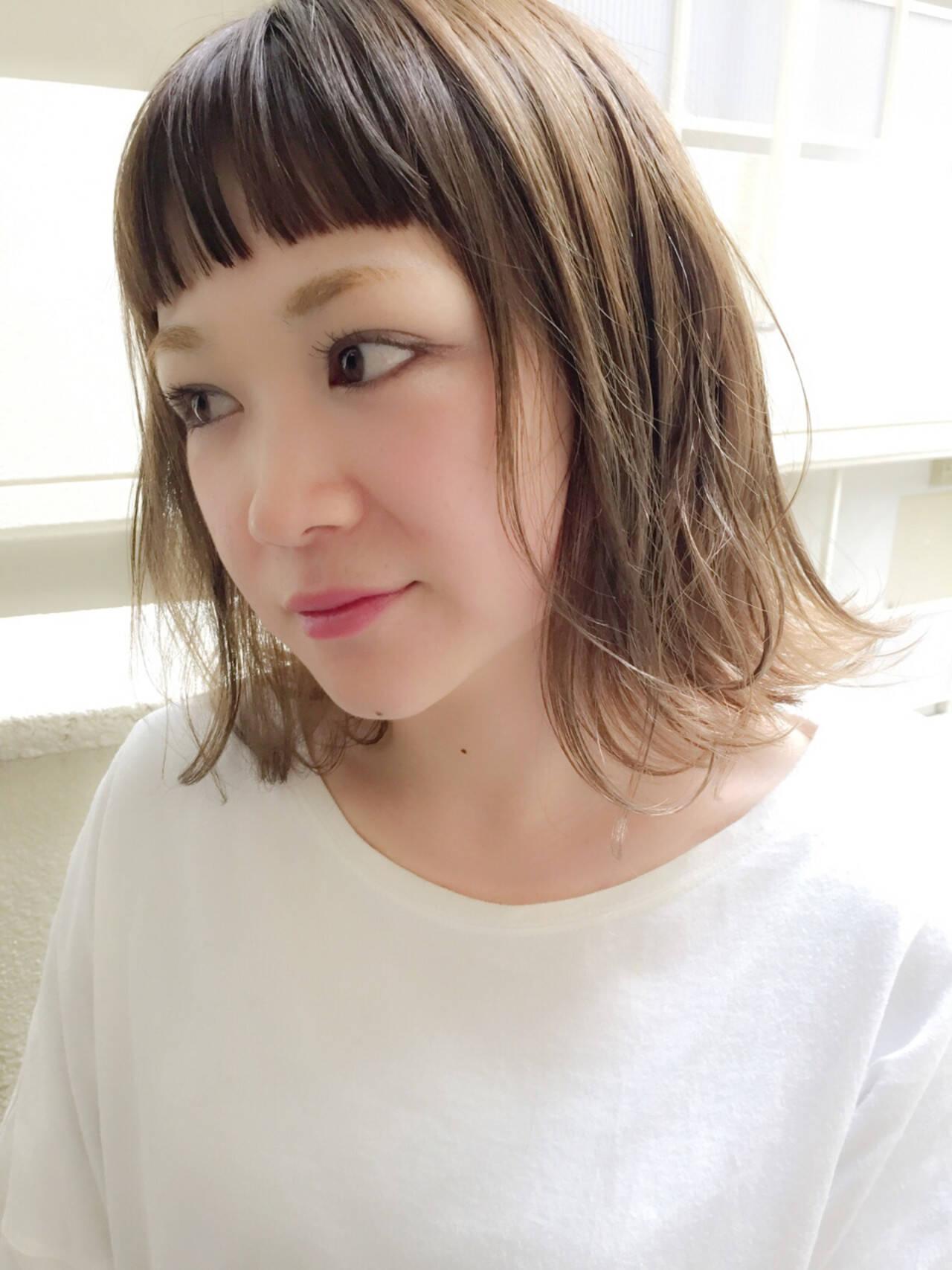 色気 ボブ ナチュラル ミルクティーヘアスタイルや髪型の写真・画像