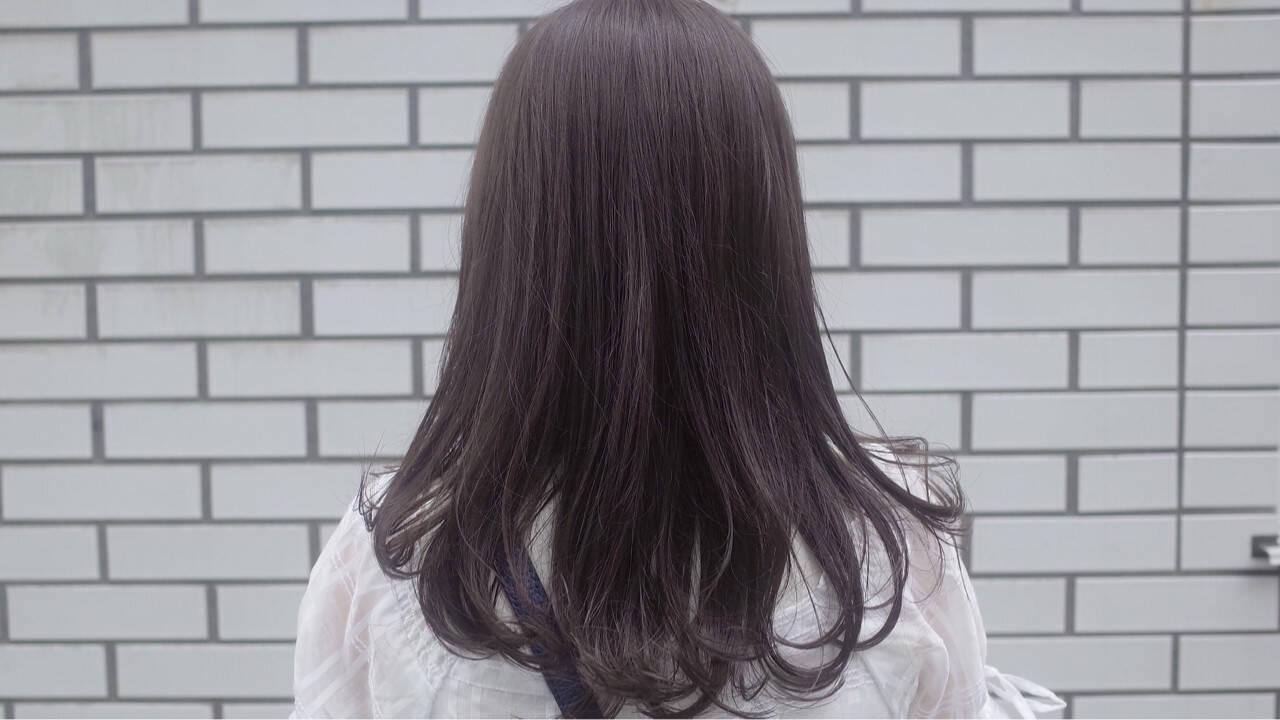 セミロング コンサバ イルミナカラー アッシュヘアスタイルや髪型の写真・画像