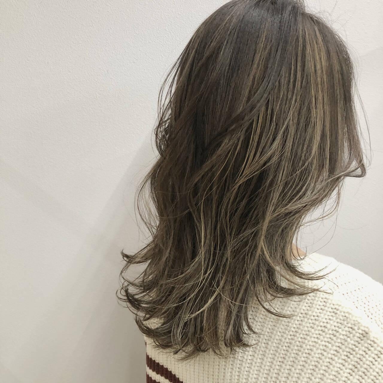 髪質改善トリートメント ハイライト コントラストハイライト セミロングヘアスタイルや髪型の写真・画像