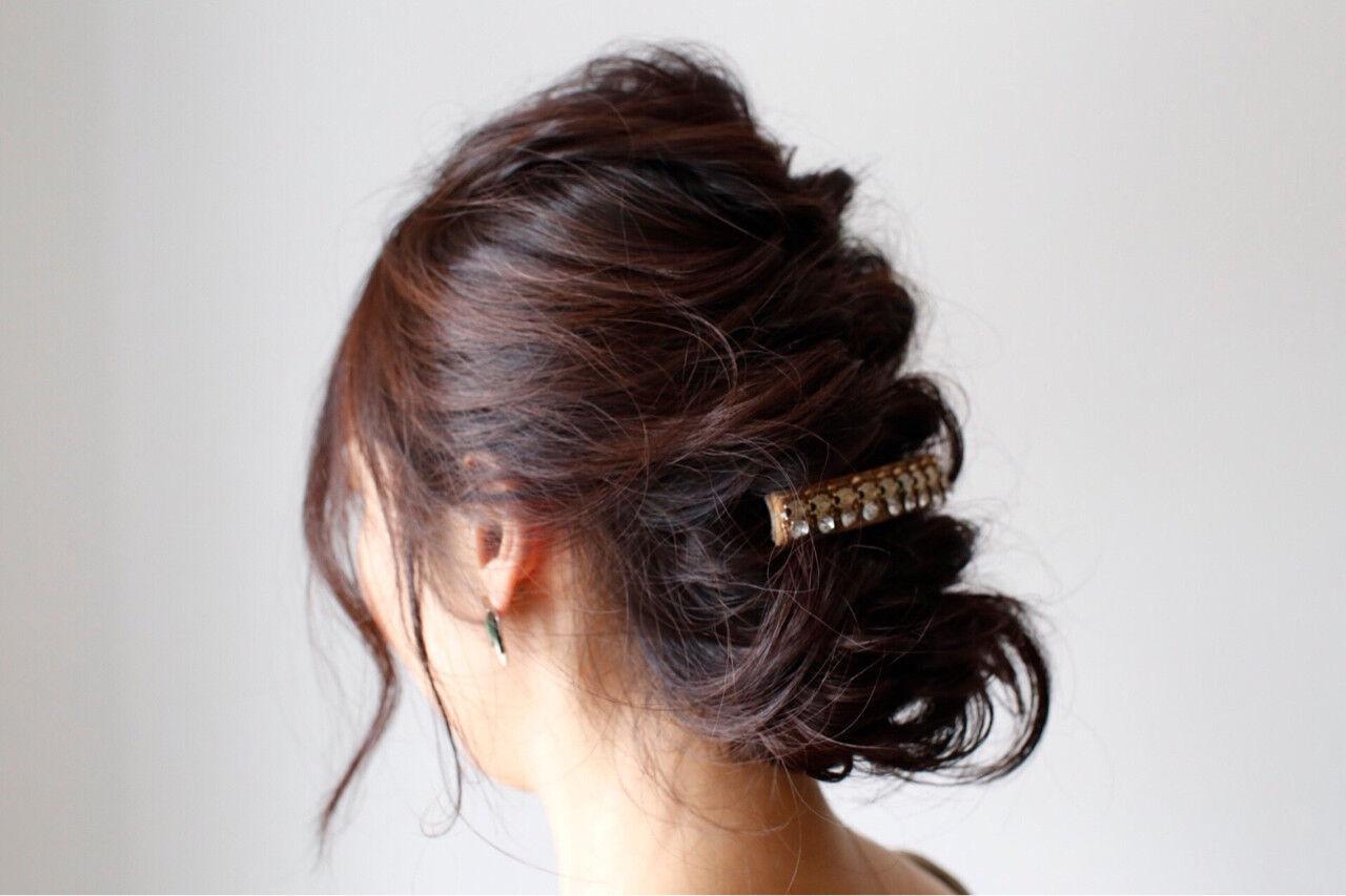 フェミニン くるりんぱ ヘアアレンジ 簡単ヘアアレンジヘアスタイルや髪型の写真・画像