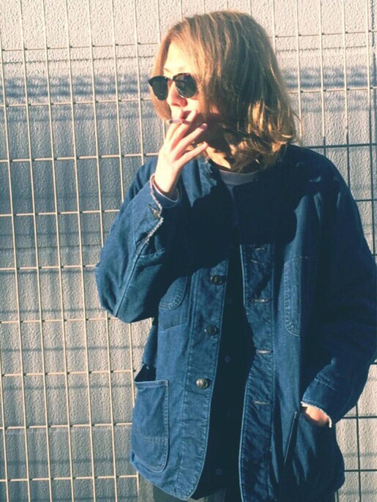 パーマ メンズ アッシュ 金髪ヘアスタイルや髪型の写真・画像