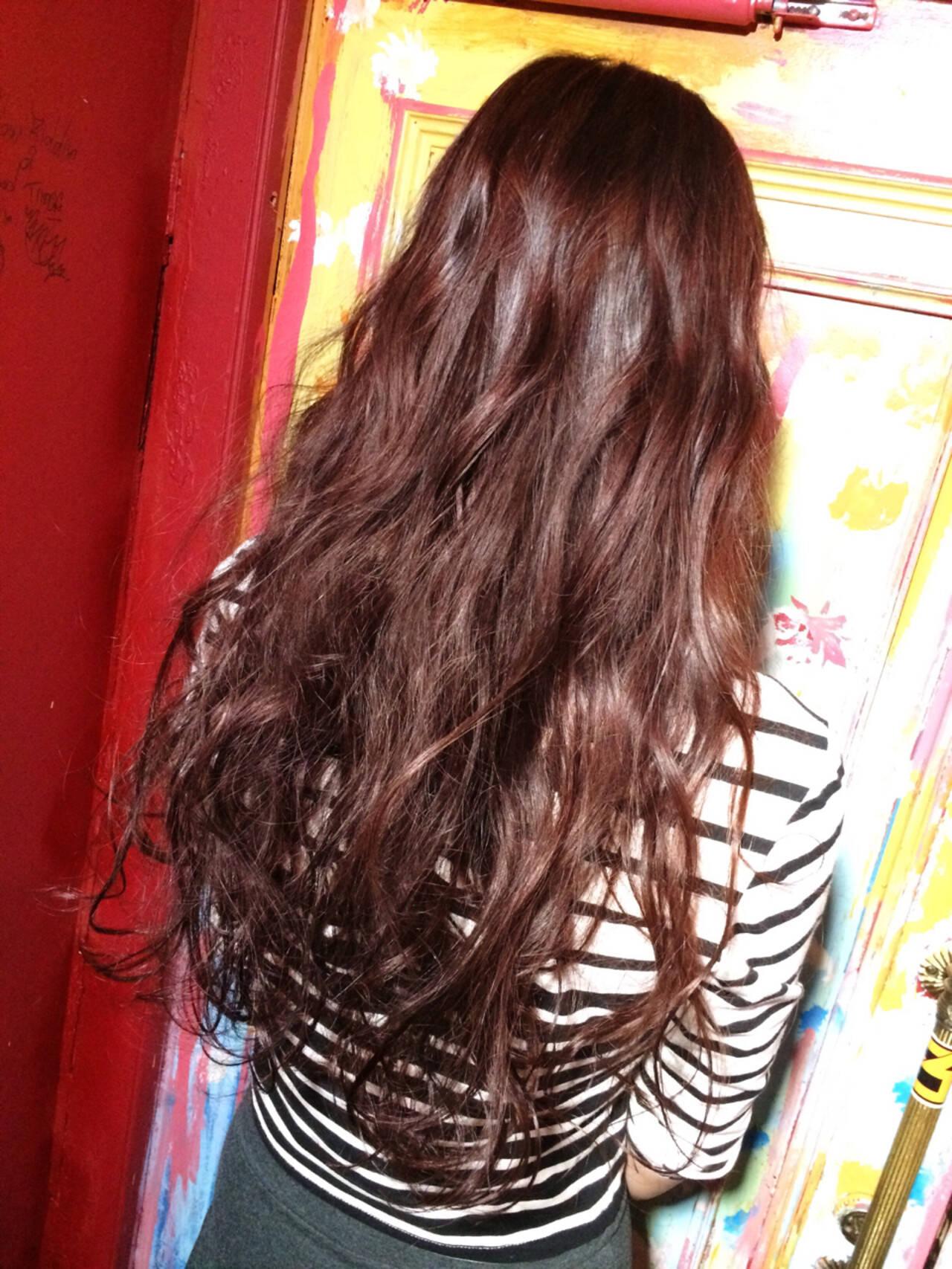 艶髪 レッド ロング モードヘアスタイルや髪型の写真・画像